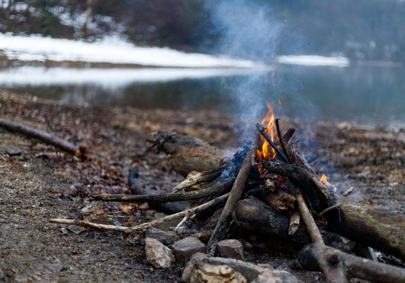 沢ノ池で焚き火