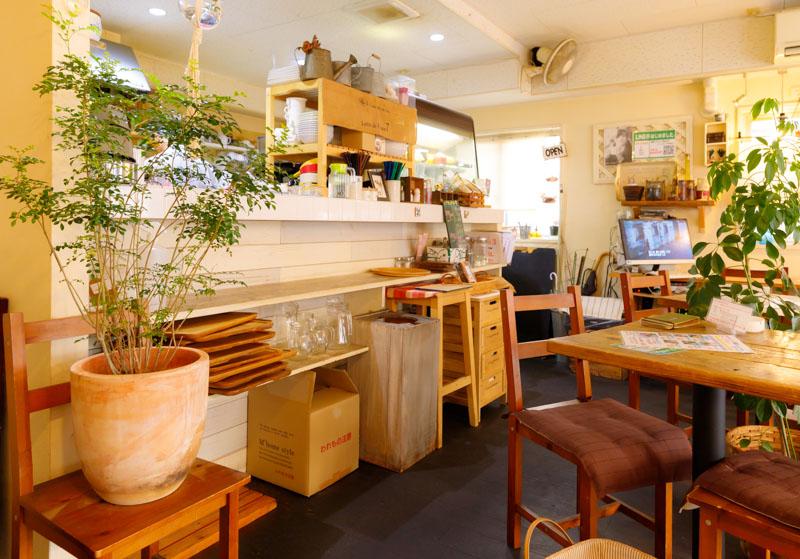 CafeTsuQushiの内装1
