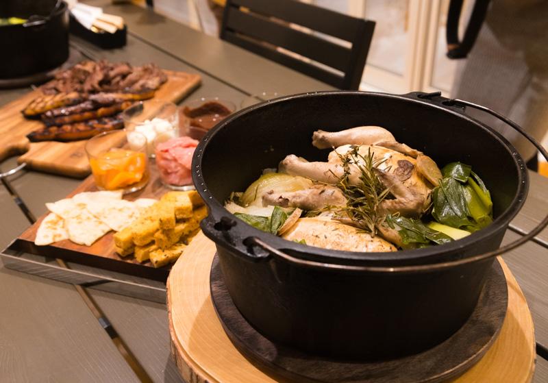 るり渓温泉GRAX-HANAREの薬膳鍋