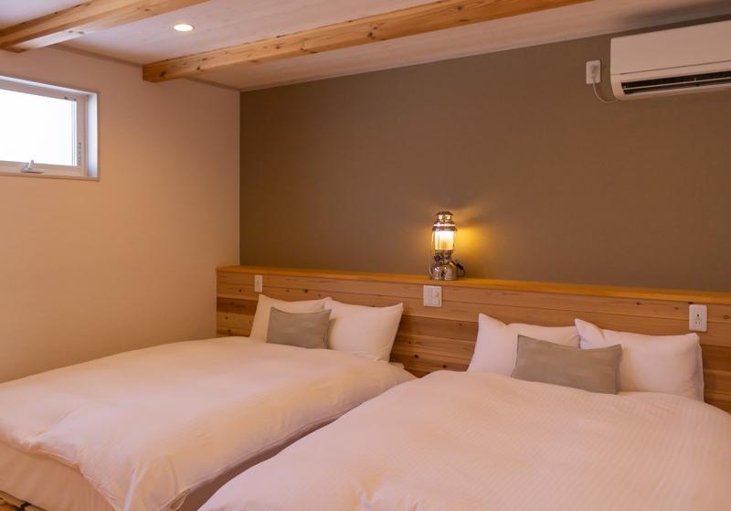 るり渓グラックスはなれの1階のベッド
