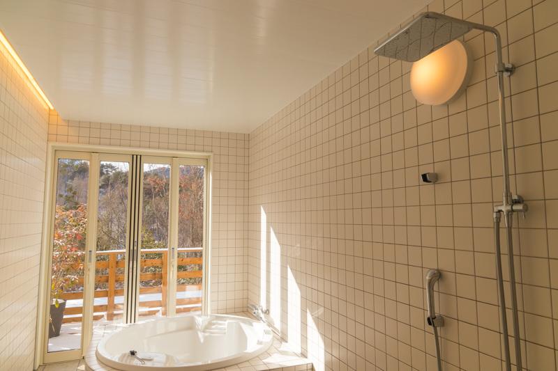 るり渓温泉GRAX-HANAREのシャワー