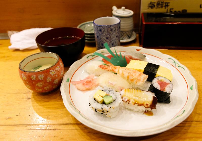 いなせ寿司のにぎりセット