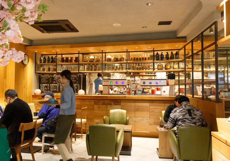 drip-x-cafe新大阪駅店の店内1