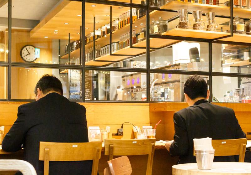 drip-x-cafe新大阪駅店の店内2