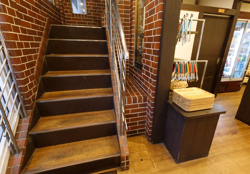 ゲベッケンの2階へ続く階段