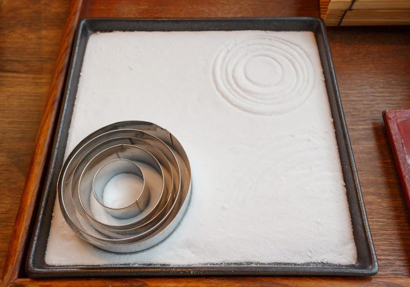 箱庭スイーツの下砂模様作り
