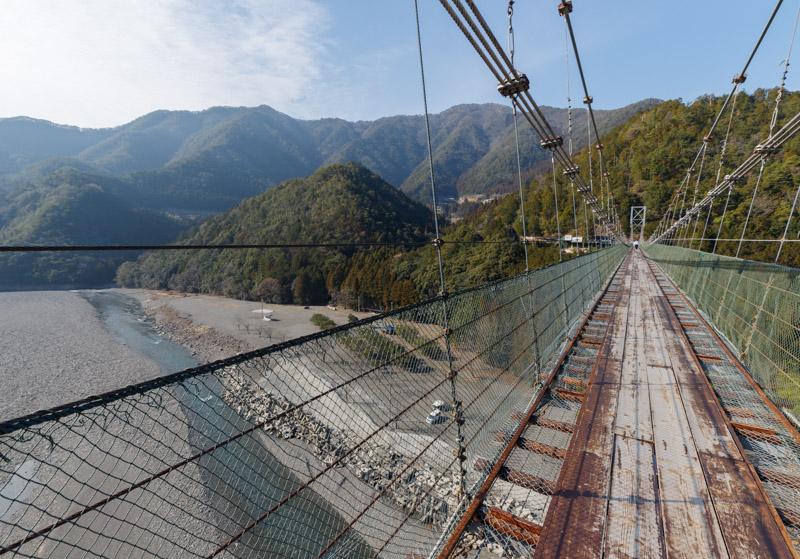 谷瀬の吊り橋から見える景色
