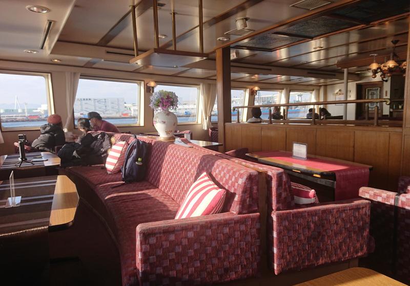 天保山の船サンタマリア号のファーストクラスの座席