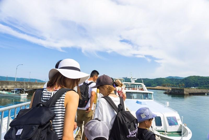 友ヶ島汽船の待ち列