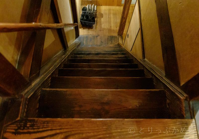 アウーム西木屋町店の階段