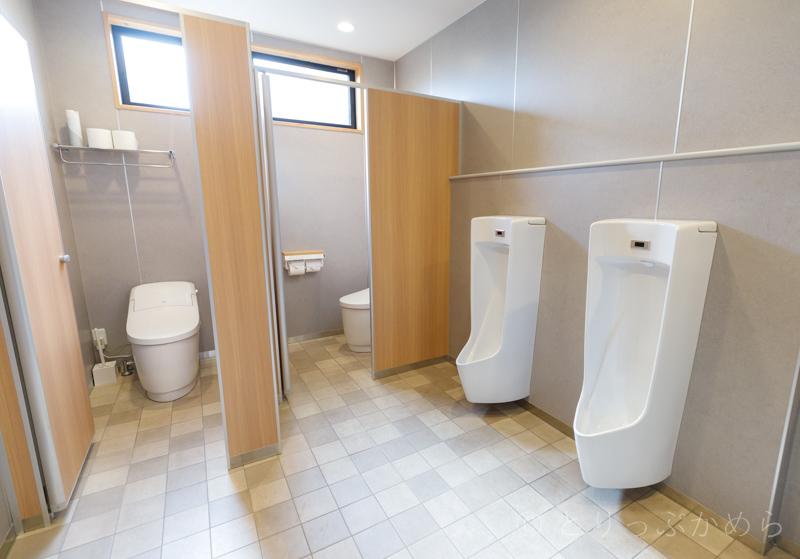 グランエレメントの男性トイレ
