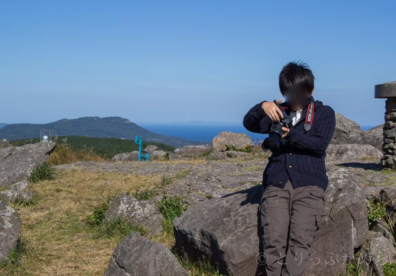 川内峠の頂上には岩がいっぱい