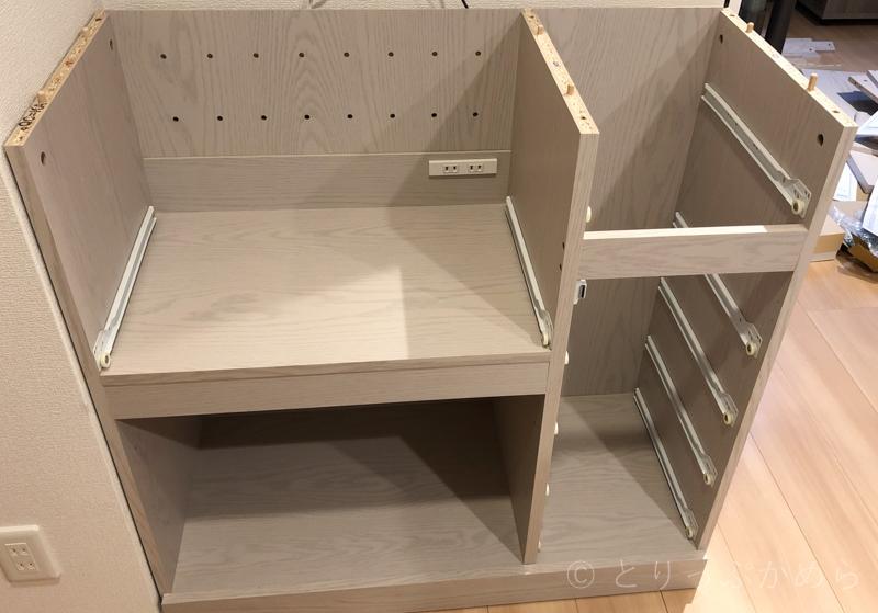 ロウヤのキッチンボード下段の完成間近