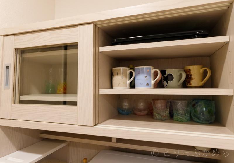 ロウヤのキッチンボード上段の可動棚