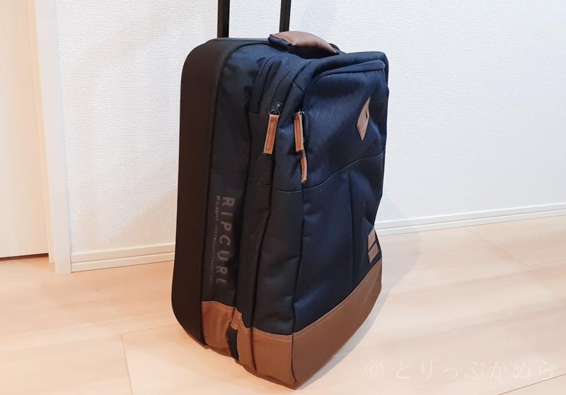 リップカールのキャリーバッグの左サイド