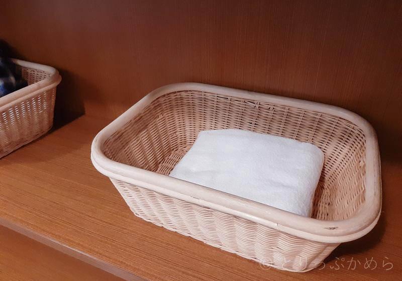 アジール奈良の貸切風呂のカゴ