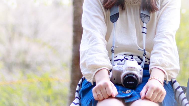 一眼レフデビューにおすすめの白かわいいカメラ【私も愛用】
