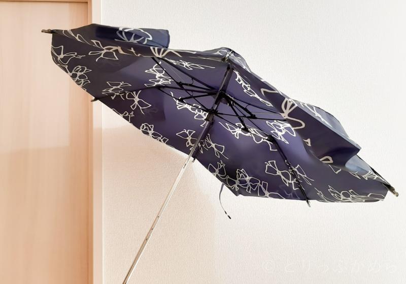 ジルスチュアートのリボン柄の折りたたみ傘を伸ばしてみた