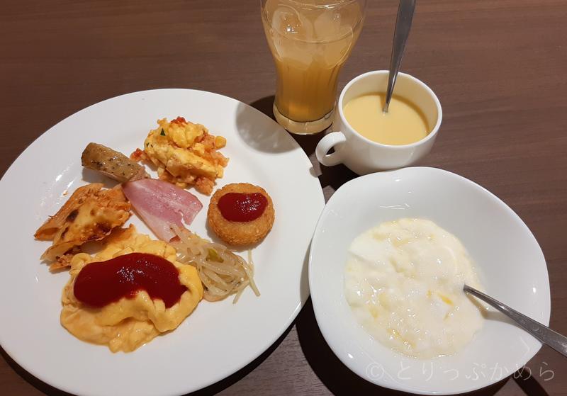 変なホテルラグーナテンボスのとろろの朝食